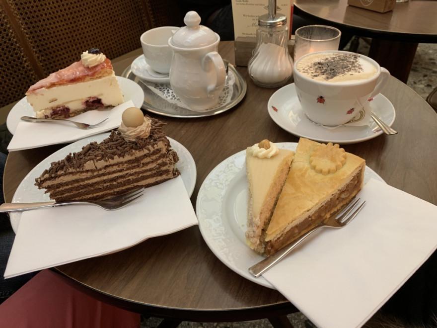 Cafe Pascher Köln Tortenbüffet