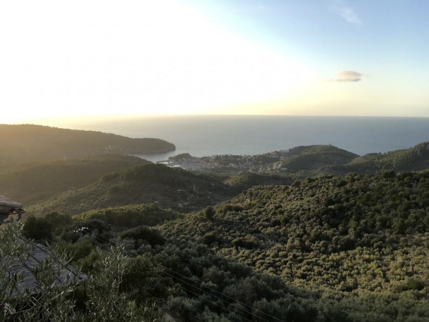 Blick vom Mirador Ses Barques auf Port de Soller
