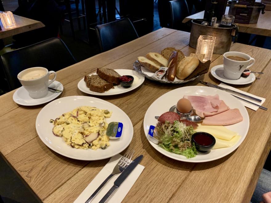Düsseldorf Rosies Frühstück 2