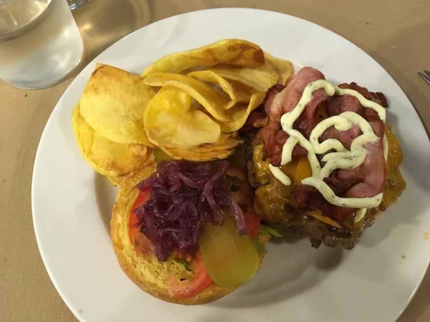 La Botana Rotkohlburger im Landhauslook 1
