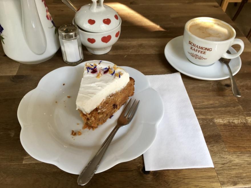 Cafe Rotkehlchen Kuchen zum Frühstück 2