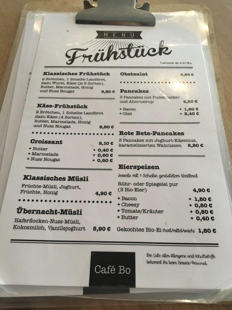 Frühstück im Café Bo Burrito Sandwich und Pancakes8